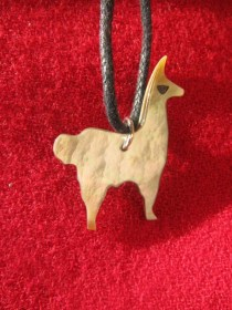 mother_of_pearl_llama_necklace