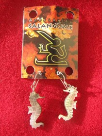 mother_of_pearl_seahorse_earrings