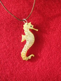 mother_of_pearl_seahorse_necklace